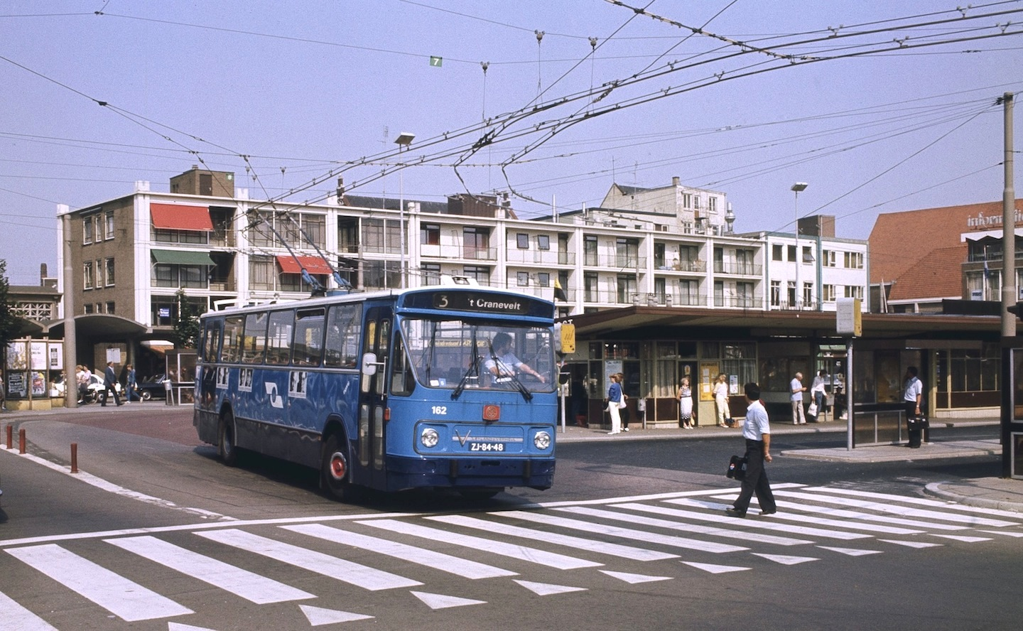 Arnhem Leyland-Verheul trolleybus 162 leaving the railway station in 1983. Photo by Steve Morgan.